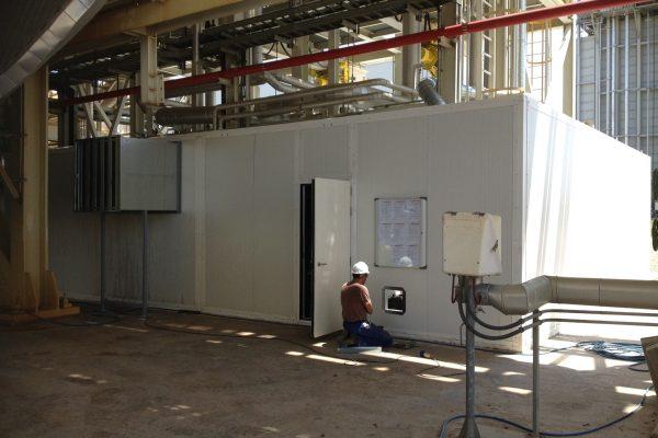 cabina insonorizada I 600x400 - Insonorización Acústica ¿Cómo afecta el ruido en entornos industriales?