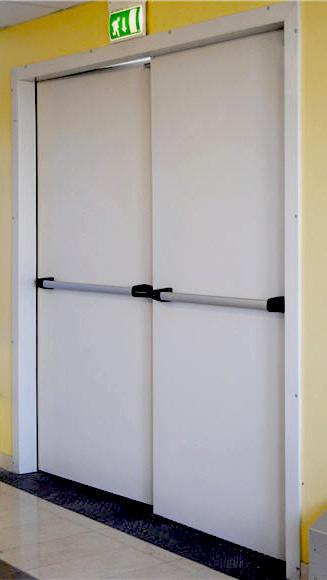 puertas acústicas blancas con barra de presión para apertura. Doble Puerta Acústica
