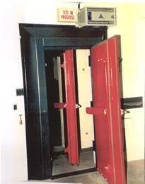 Doble puerta acústica aislamiento. Puerta acustica aislamiento alto y de gran calidad con marcado ce