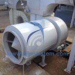 Silenciador de ventilación circular ya instalado en una fábrica industrial. Gran format