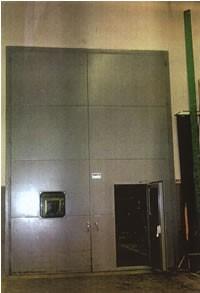 como insonorizar una pared con una puerta acustica