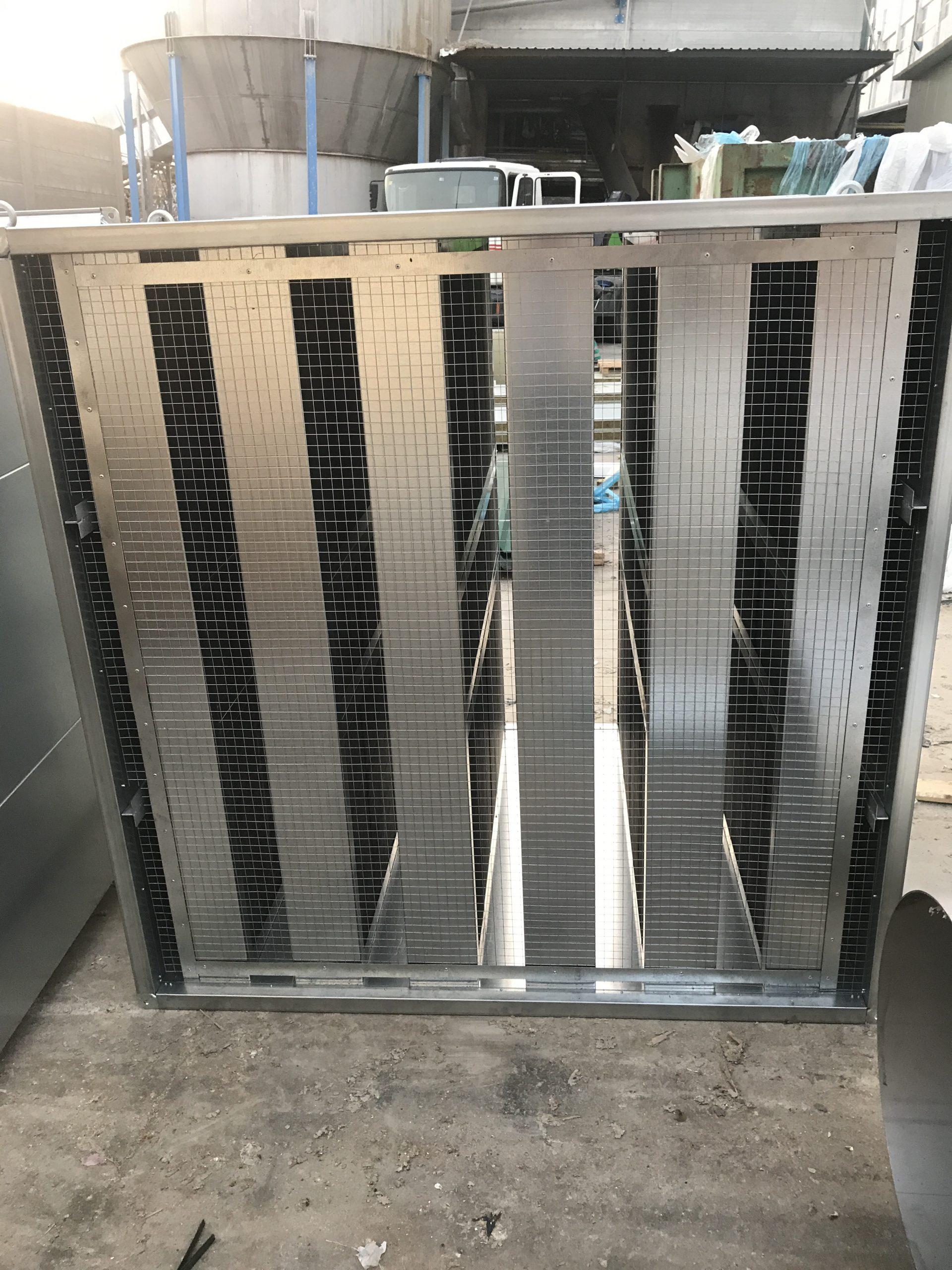 silenciador de ventilación rectangular con malla. Ventiladores de techo silenciosos. Ventilador de pie silencioso