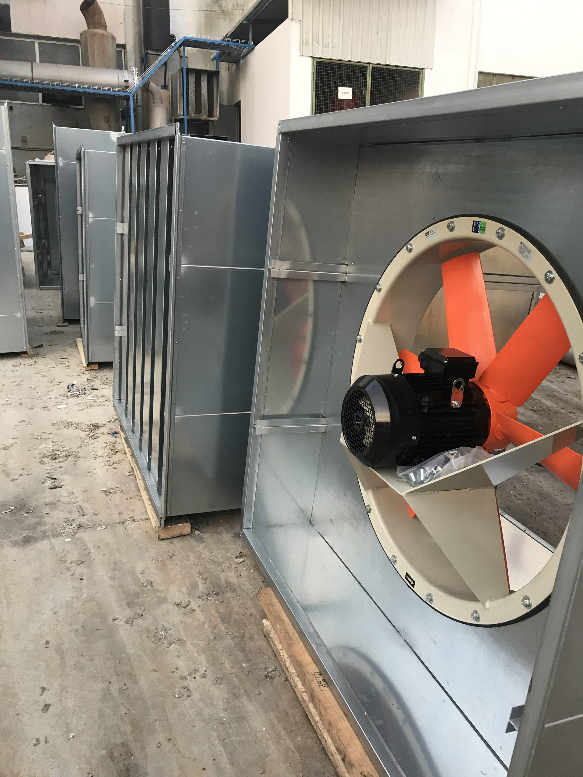 Varios silenciadores de ventilación rectangular y plenum con silenciador industrial